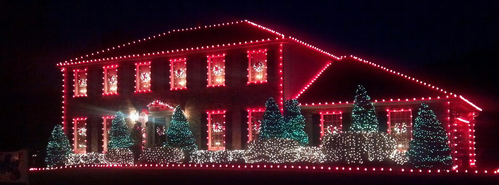 How Led Cluster Lights Can Improve Your Holiday Display Creative